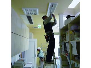 蛍光灯型LEDの交換工事