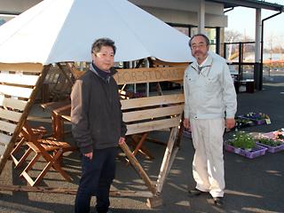 建築士の北村さんと七ツ塚ファーマーズセンターの山本さん
